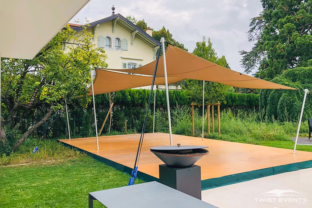 Double tentes stretch cocktails + plancher - Twist Events - Location et vente tentes de réception stretch, mobilier événementiel - Genève Vaud Suisse Romande