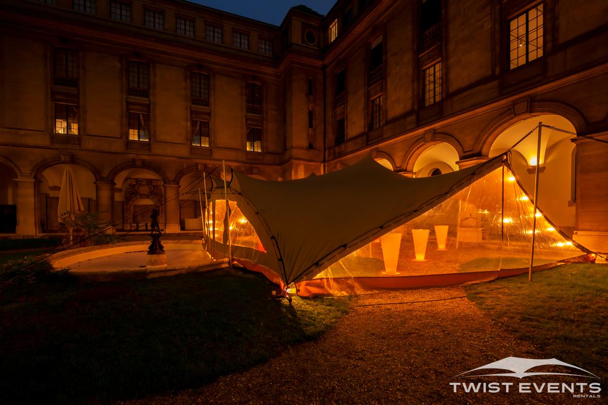 Twist Events - Location tente de réception stretch M 157m², fermetures latérales, chauffage, mobilier événementiel et guirlandes lumineuses - Manifestation culturelle - Geneve Vaud Suisse Romande