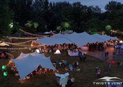 Assemblage-tentes-stretch-MANIFESTATION-CULTURELLE-Twist-Events-Location-tentes-de-réception-stretch-et-mobilier-événementiel-Genvève-Vaud-Suisse-Romande-5