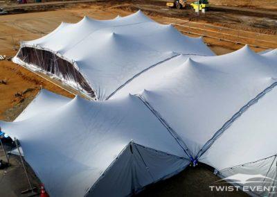 Assemblage-tentes-stretch-SEMINAIRE-Twist-Events-Location-tentes-de-réception-stretch-et-mobilier-événementiel-Genvève-Vaud-Suisse-Romande-1