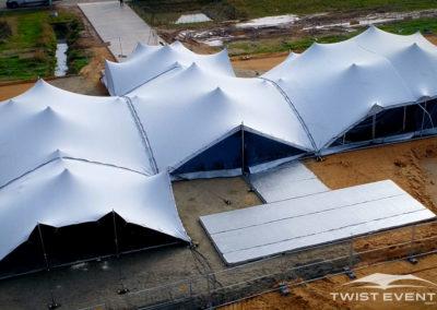 Assemblage-tentes-stretch-SEMINAIRE-Twist-Events-Location-tentes-de-réception-stretch-et-mobilier-événementiel-Genvève-Vaud-Suisse-Romande-4