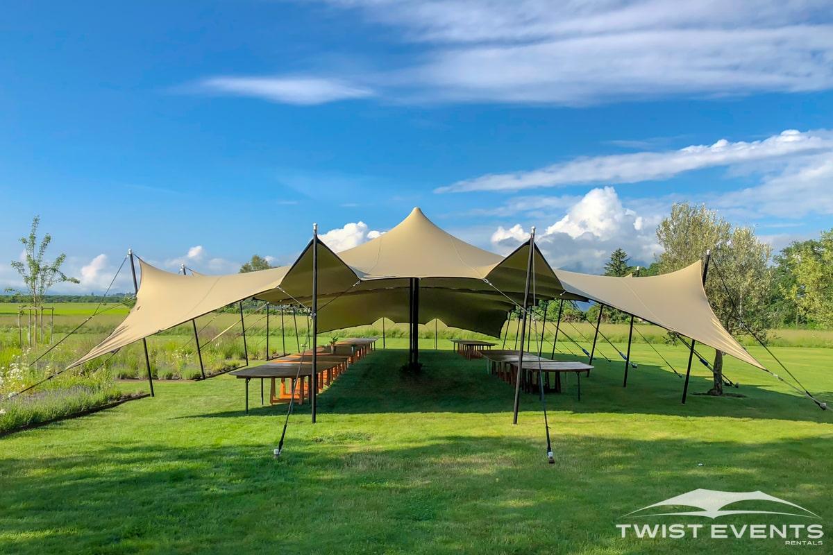 Double-tente-stretch-M-Evenement-entreprise-Garden-Party-Twist-Events-Location-tente-de-reception-mobilier-evenementiel-Geneve-Vaud-Suisse-Romande-min