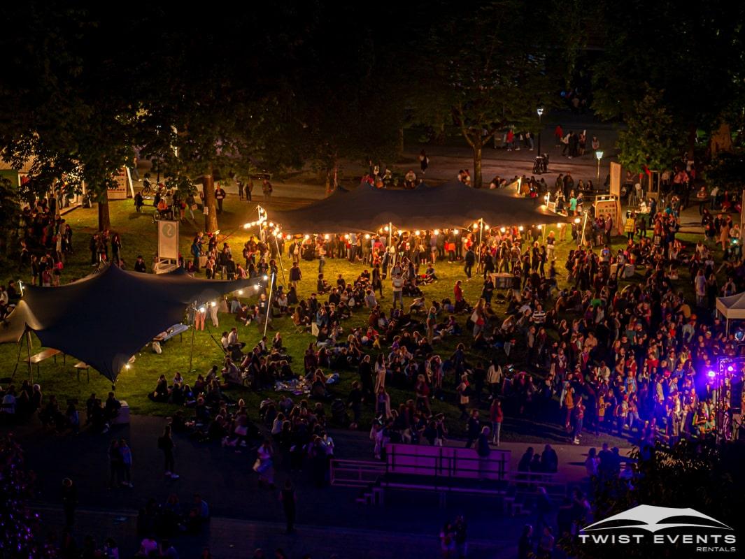 Location-3-tentes-de-reception-stretch-pour-manifestation-publique-a-geneve-9-min