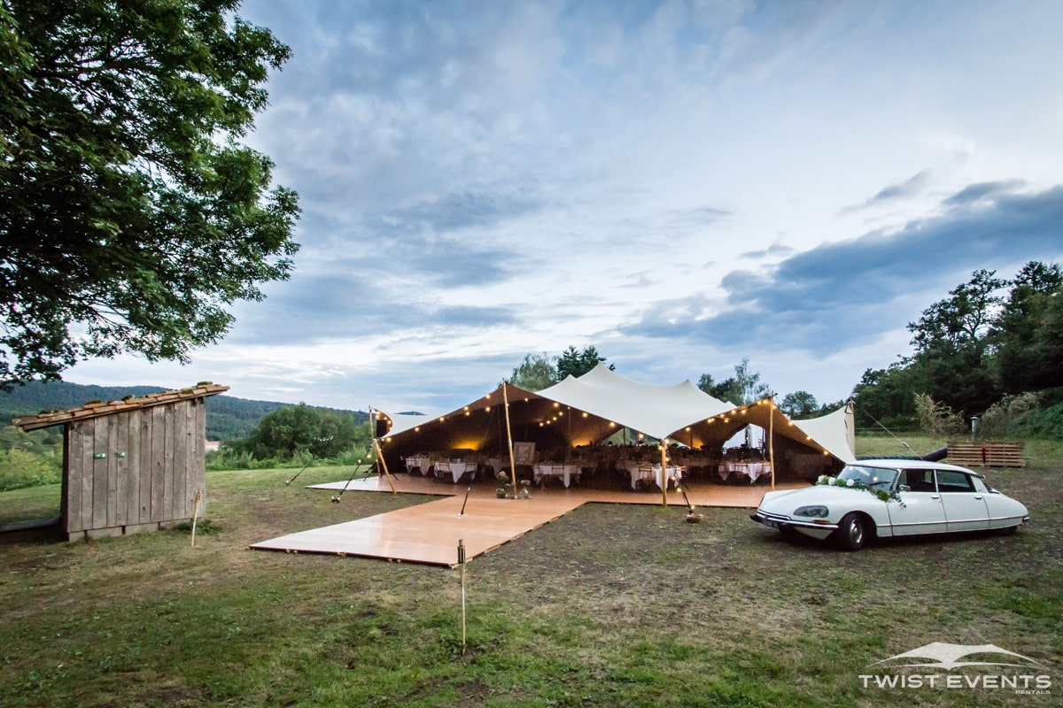 Location-tente-de-reception-stretch-314m2-pour-mariage-champetre-a-geneve-et-romandie-min