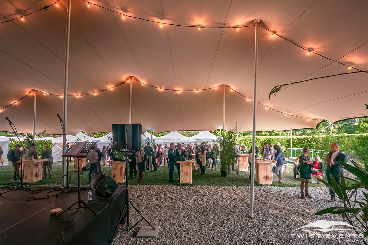 Location tente de reception stretch L 315 m2 mobilier en bois guirlandes evenement prive geneve suisse (16)
