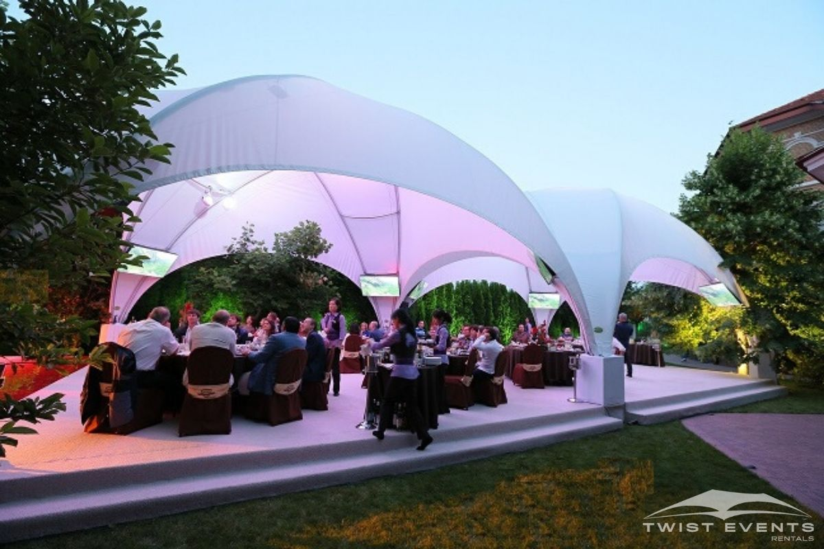 Location tentes crossover M dîner d'entreprise www.twist-events (15)